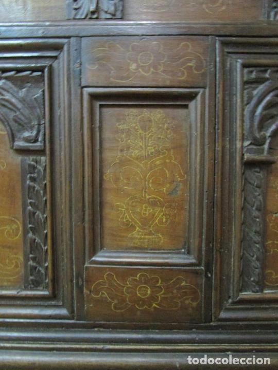 Antigüedades: Arca de Novia Catalana - Caja en Madera de Nogal - Marquetería en Pasta de Época, Original -S. XVIII - Foto 8 - 205816181