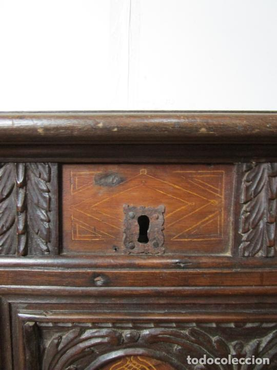 Antigüedades: Arca de Novia Catalana - Caja en Madera de Nogal - Marquetería en Pasta de Época, Original -S. XVIII - Foto 12 - 205816181