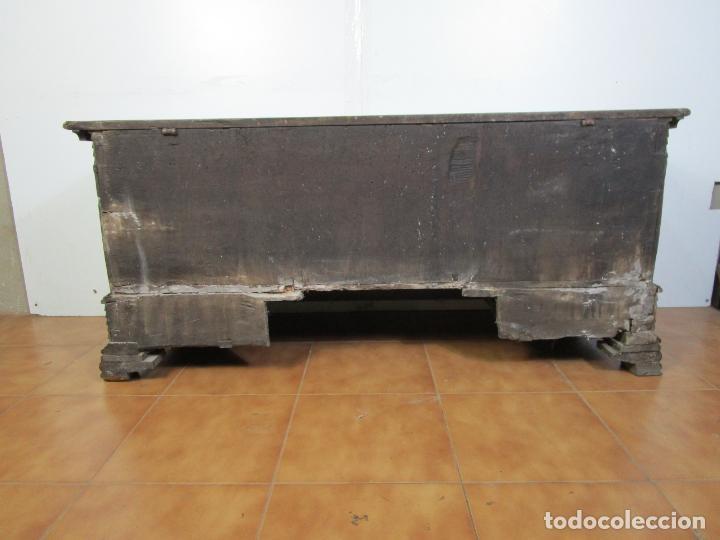 Antigüedades: Arca de Novia Catalana - Caja en Madera de Nogal - Marquetería en Pasta de Época, Original -S. XVIII - Foto 19 - 205816181