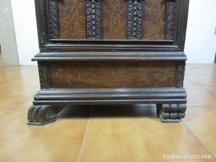 Antigüedades: Arca de Novia Catalana - Caja en Madera de Nogal - Marquetería en Pasta de Época, Original -S. XVIII - Foto 21 - 205816181