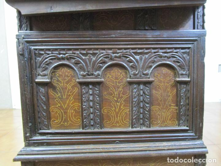 Antigüedades: Arca de Novia Catalana - Caja en Madera de Nogal - Marquetería en Pasta de Época, Original -S. XVIII - Foto 22 - 205816181
