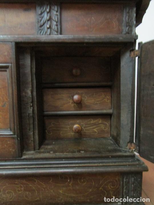 Antigüedades: Arca de Novia Catalana - Caja en Madera de Nogal - Marquetería en Pasta de Época, Original -S. XVIII - Foto 26 - 205816181