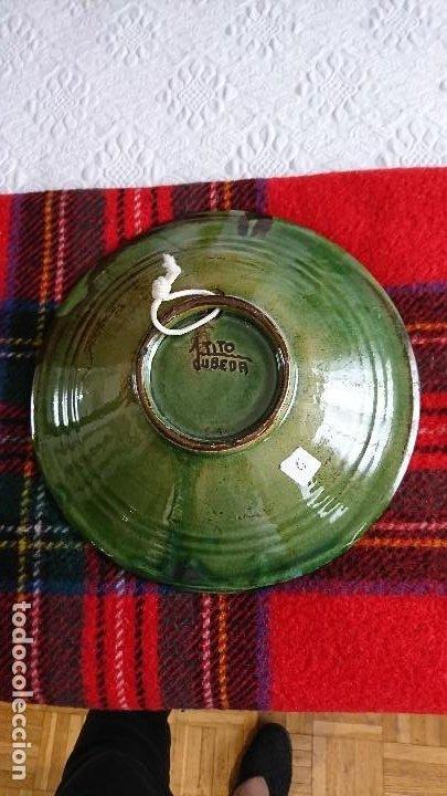 Antigüedades: Antiguo plato de cerámica de Ubeda (Jaén) de Tito Bustillo, firmado - Foto 3 - 205833952