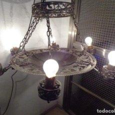 Antigüedades: MUY ANTIGUA SOBRE 1900, GRANDE E IMPRESIONANTE LAMPARA BRONCE PLATEADO FUNCIONANDO COMPLETA. Lote 205842597