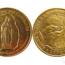 Antigüedades: MEDALLA DE NOTRE-DAME DE LOURDES 2002. Lote 205851152