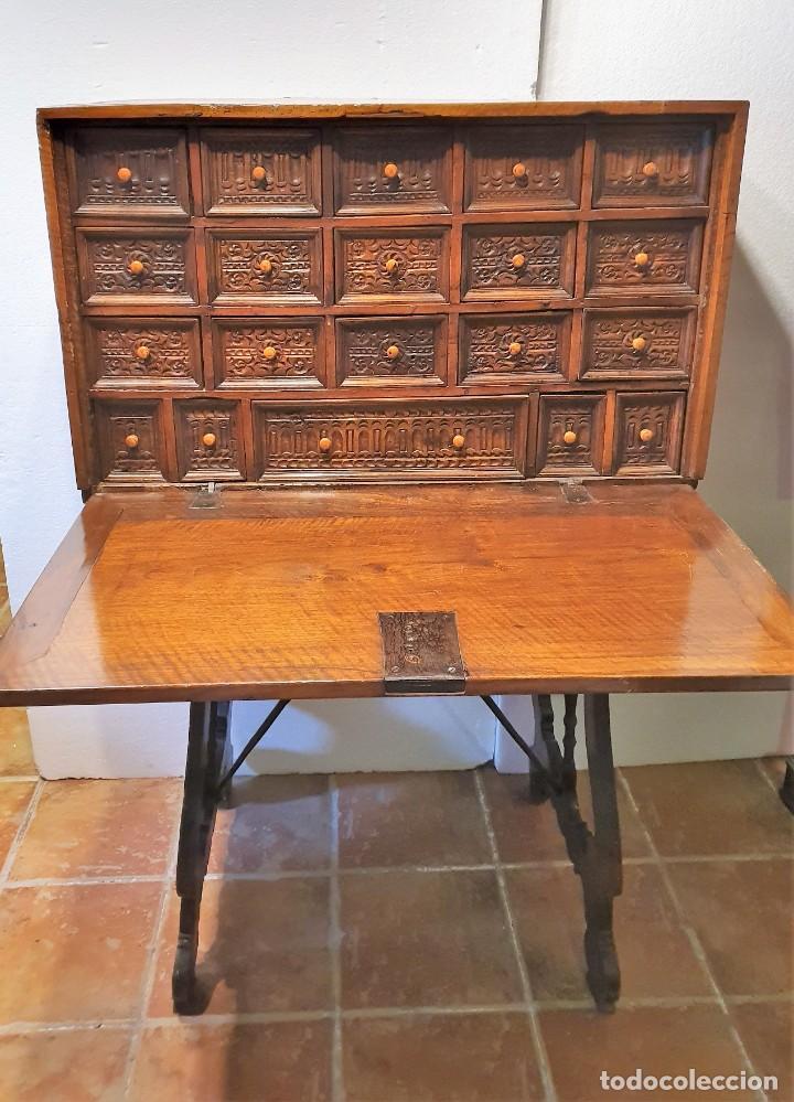 Antigüedades: BARGUEÑO ESPAÑOL DE NOGAL S.XVIII CON MESA - Foto 6 - 205874147