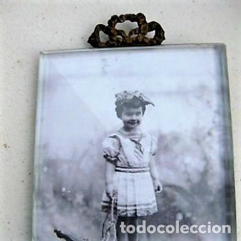 Antigüedades: PORTAFOTO DE CRISTAL BISELADO 16,5 X 11 CMS CON COPETE - Foto 2 - 116520175