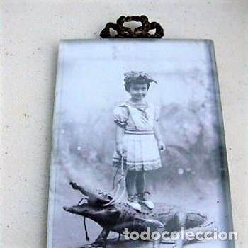 PORTAFOTO DE CRISTAL BISELADO 16,5 X 11 CMS CON COPETE (Antigüedades - Hogar y Decoración - Portafotos Antiguos)