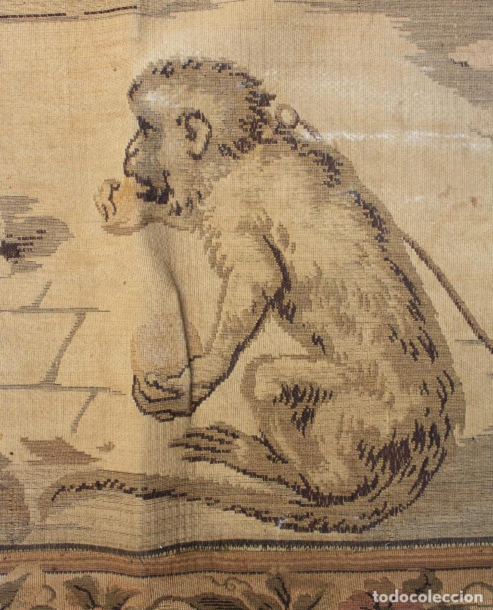 Antigüedades: TAPIZ JACQUARD 1920S, ESCENA CON DE MESA CON UN MONO TAMAÑO 217 x 174 cm. - Foto 12 - 206211747