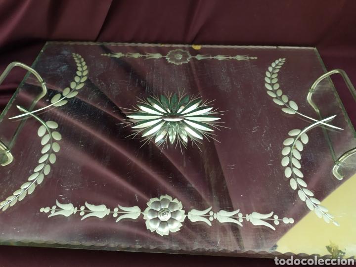 Antigüedades: Antigua bandeja con espejo biselado. - Foto 2 - 206263556