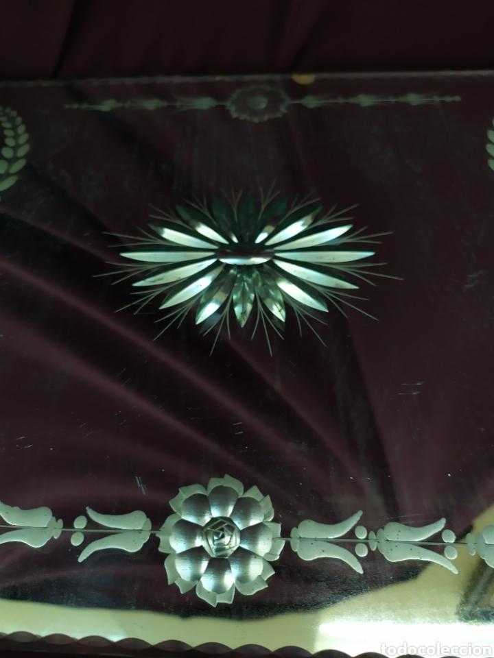 Antigüedades: Antigua bandeja con espejo biselado. - Foto 3 - 206263556