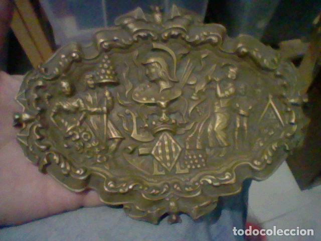 Antigüedades: VALENCIA VACIABOLSILLOS BANDEJA FESTEJOS FALLAS BRONCE - Foto 3 - 206273210