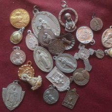 Antigüedades: 24 MEDALLAS RELIGIOSAS. Lote 206274813