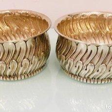 Antigüedades: REPOSA BOTELLAS EN PLATA. Lote 206277923