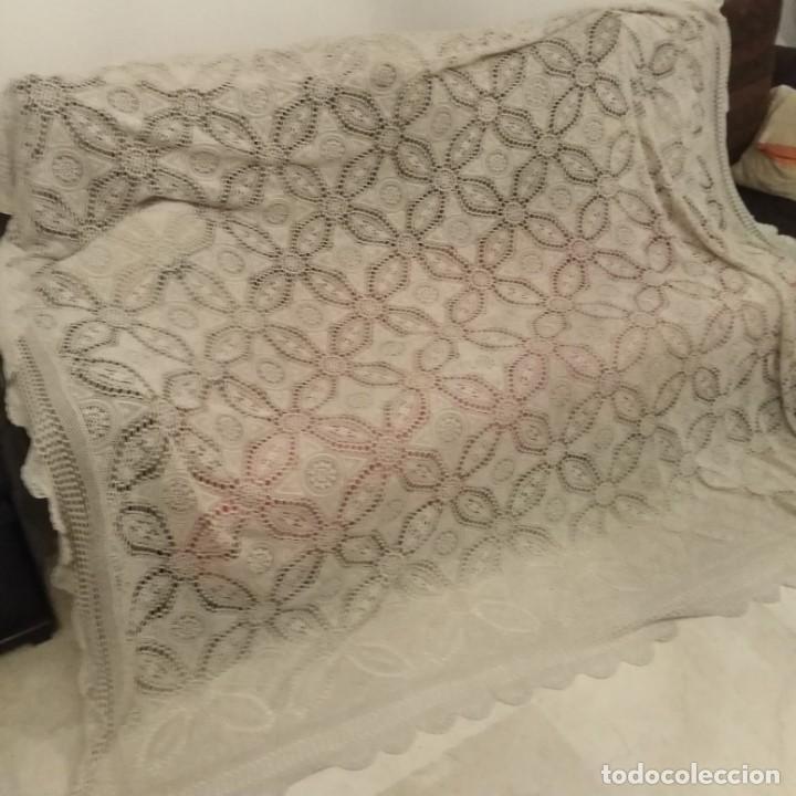 Antigüedades: Antigua colcha de encaje realizado a mano, años 20 - Foto 3 - 206296171