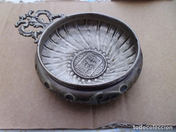 """Antigüedades: Porringers """" Cuenco sangrante """" de alpaca usado como catador de vino con el escudo de Logroño - Foto 5 - 206300386"""