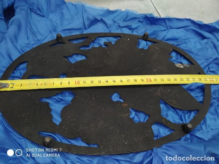 Antigüedades: antiguo salvamantel hierro rustico clasico posacazos, centro de mesa - Foto 2 - 206305963