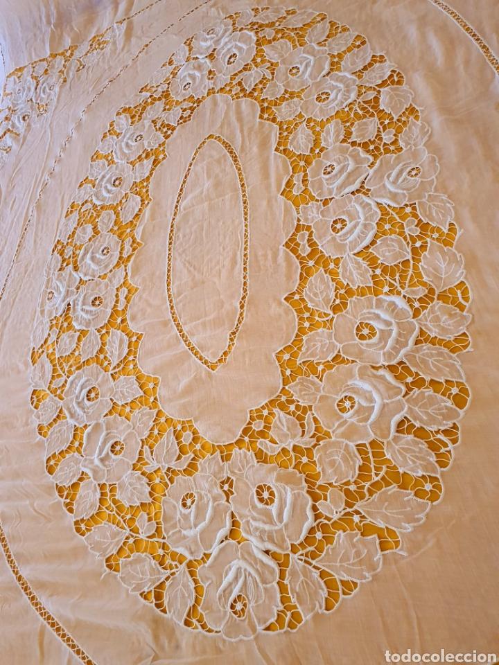 Antigüedades: colcha batista richelieu.matrimonio. estado muy bueno. - Foto 2 - 206308576