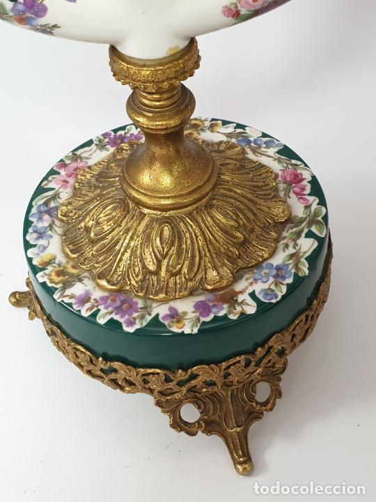 Antigüedades: Frutero italiano grande de porcelana y par de candelabros con dos brazos - Alfa Italy Segunda mitad - Foto 6 - 206330612