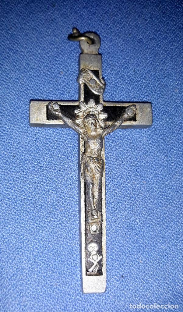 Antigüedades: IMPORTANTE LOTE DE ANTIGUAS CRUCES Y CRUCIFIJOS RELIGIOSOS DE DIFERENTES EPOCAS Y MATERIALES - Foto 5 - 206360987