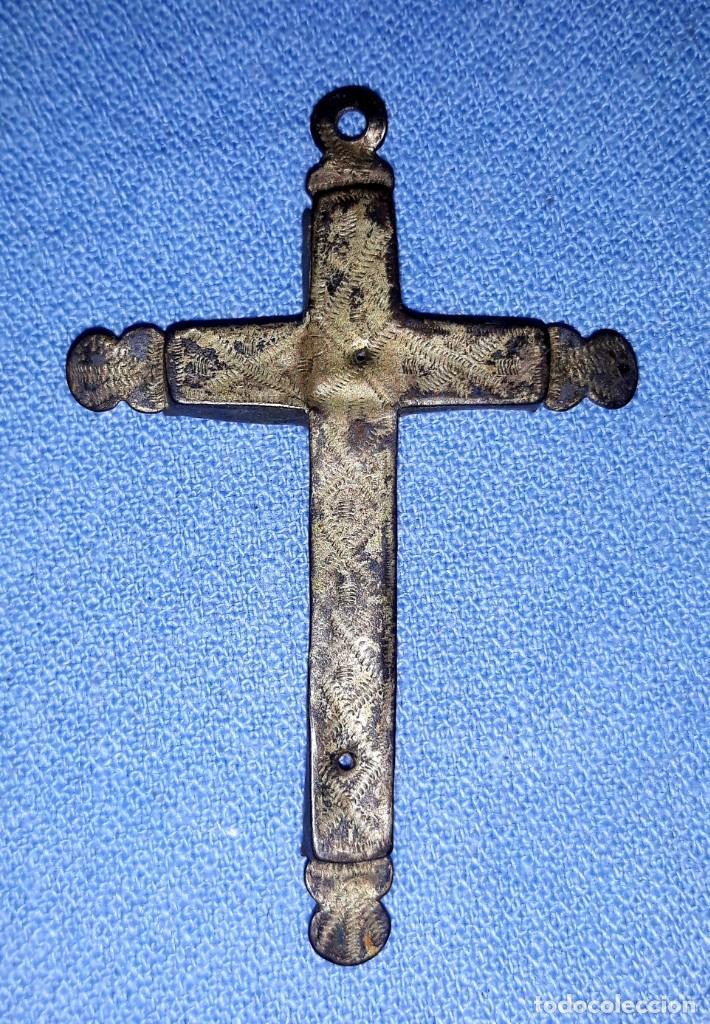 Antigüedades: IMPORTANTE LOTE DE ANTIGUAS CRUCES Y CRUCIFIJOS RELIGIOSOS DE DIFERENTES EPOCAS Y MATERIALES - Foto 8 - 206360987