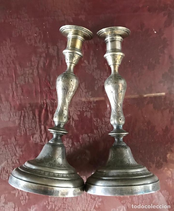 Antigüedades: Pareja de candelabros en metal Plateado de 5 velas cada uno. - Foto 3 - 206388676