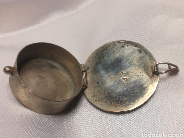 Antigüedades: Antiguo pastillero plata baja y nacar - Foto 2 - 206401495
