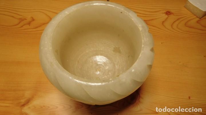 Antigüedades: Copa esculpida de alabastro de procedencia dewsconocida - Foto 2 - 206404055