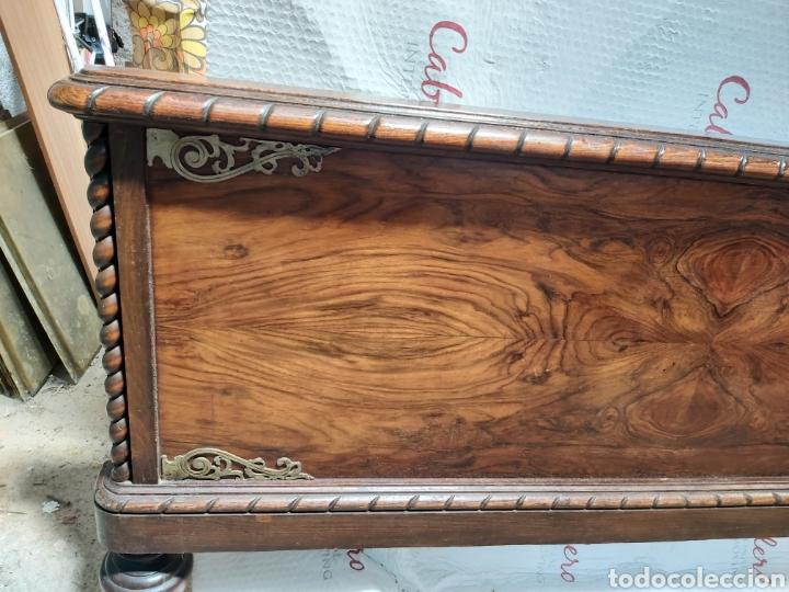 Antigüedades: Cabecero en madera de raíz con adornos. - Foto 2 - 206448432