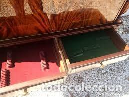 Antigüedades: mueble bar años 40/50 cerezo Silvestre ,con estante de cristal ,luz y 2 cajones para cubiertos - Foto 7 - 206473910