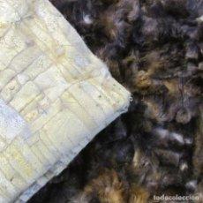 Antigüedades: PAREJA DE ALFOMBRAS DE PIEL COSIDAS ARTESANALMENTE 116 X 59 CM. Lote 206493645