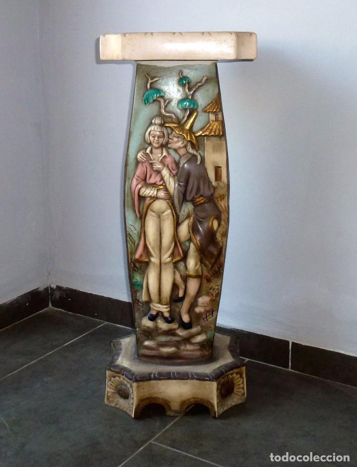 Antigüedades: Preciosa Peana De Ceramica Con Motivos Asiaticos Con Sello Franju.80 Cm.Años 60. - Foto 2 - 206500103