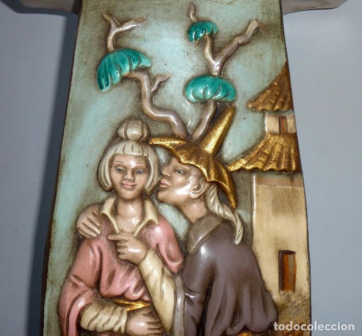 Antigüedades: Preciosa Peana De Ceramica Con Motivos Asiaticos Con Sello Franju.80 Cm.Años 60. - Foto 4 - 206500103