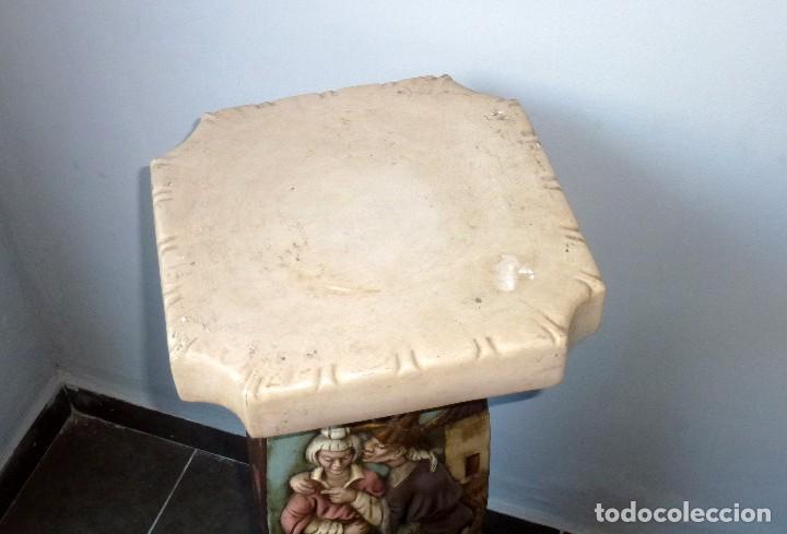 Antigüedades: Preciosa Peana De Ceramica Con Motivos Asiaticos Con Sello Franju.80 Cm.Años 60. - Foto 6 - 206500103