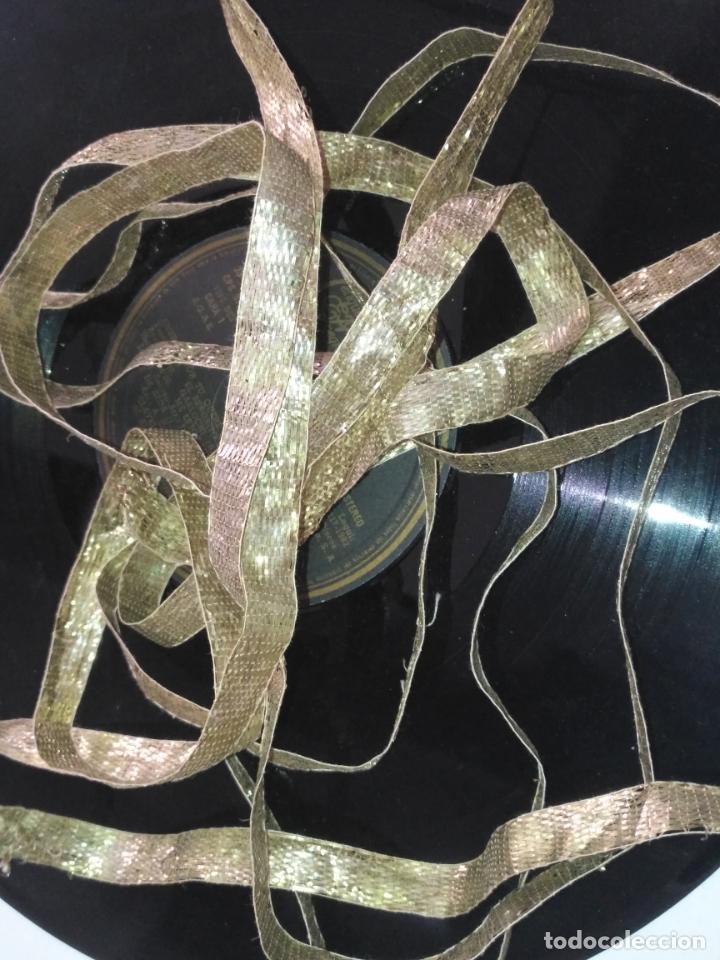 Antigüedades: ANTIGUO GALON PLATA HOJILLA METAL 3,8 METROS X 1,3 CM ANCHO , IDEAL VIRGEN SEMANA SANTA - Foto 3 - 206510138