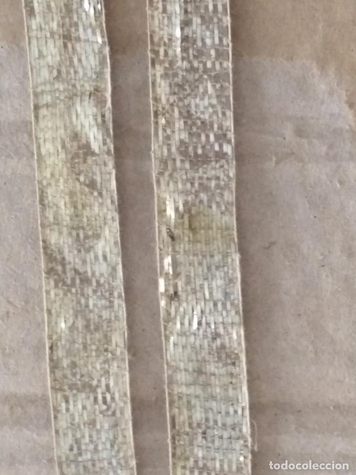 Antigüedades: ANTIGUO GALON PLATA HOJILLA METAL 3,8 METROS X 1,3 CM ANCHO , IDEAL VIRGEN SEMANA SANTA - Foto 12 - 206510138