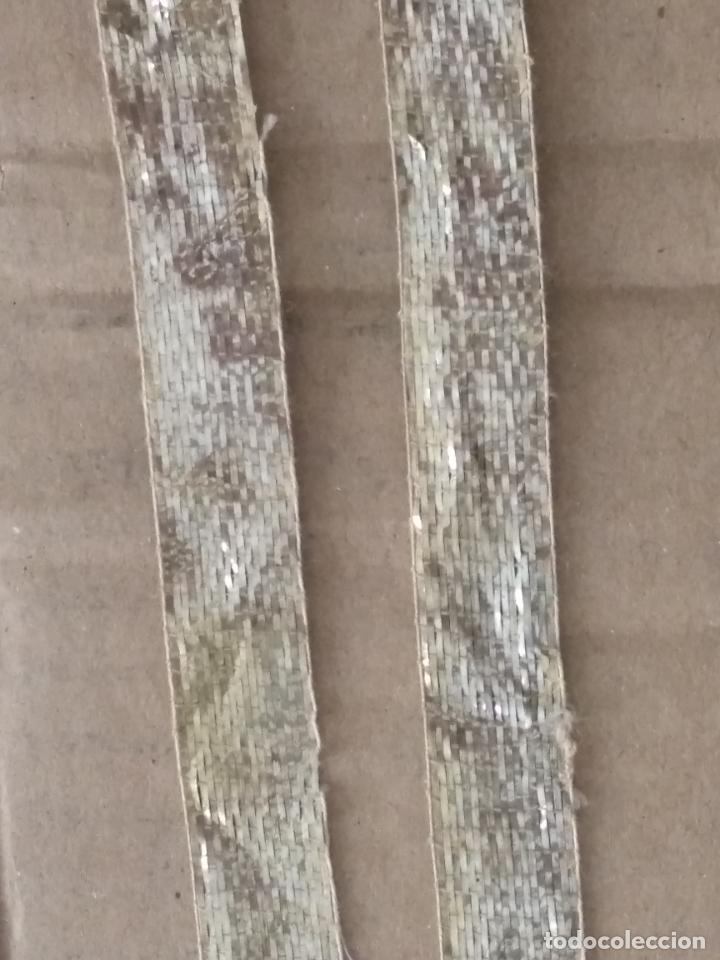 Antigüedades: ANTIGUO GALON PLATA HOJILLA METAL 3,8 METROS X 1,3 CM ANCHO , IDEAL VIRGEN SEMANA SANTA - Foto 16 - 206510138