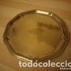 Antigüedades: BONITA BANDEJA DE ESTAÑO,SELLADO. 1947/1967, SOUVENIR DE 20 ANS D´ACTIVITÉ DANS LA MAISON V.A.C. Lote 206514648