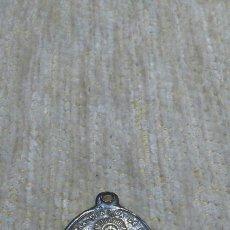 Antigüedades: MEDALLA ANTIGUA DE LA VIRGEN NUESTRA SEÑORA DE LORETO Y SAN FRANCISCO DE ASÍ /RELIGIOSA /RELICARIO/.. Lote 206523732