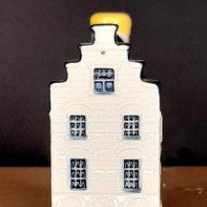 Antigüedades: VINTAGE KLM BOLS DELFT DUTCH MINIATURE HOUSES. NO.34 2005. Lote 206567458