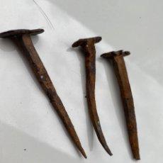 Antigüedades: 3 CLAVOS SIGLO XVI. 8CM. Lote 206571687