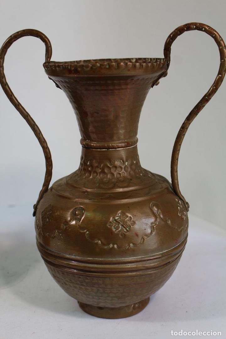 Antigüedades: pareja de jarrones de cobre - Foto 2 - 206749622