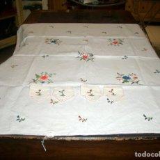 Antigüedades: MANTELERIA BORDADA LINO. 4 SERVICIOS. Lote 206754940