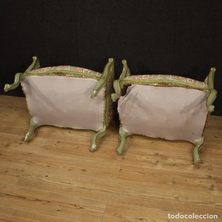 Antigüedades: Par de sillones venecianos lacados, dorados y pintados. - Foto 10 - 206787030
