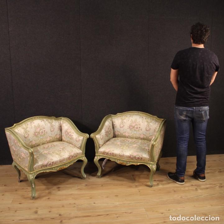 Antigüedades: Par de sillones venecianos lacados, dorados y pintados. - Foto 12 - 206787030
