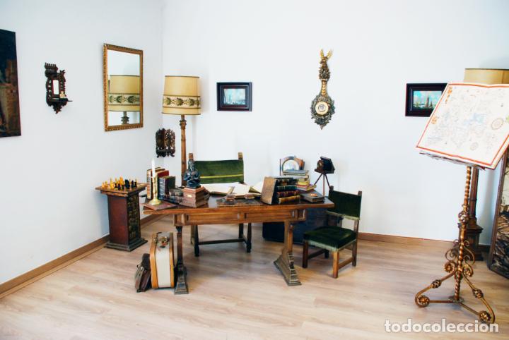 Antigüedades: Conjunto de despacho en roble macizo o similar. Escritorio con cajones, sillón y silla pequeña. - Foto 2 - 206798516