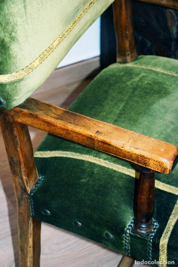 Antigüedades: Conjunto de despacho en roble macizo o similar. Escritorio con cajones, sillón y silla pequeña. - Foto 5 - 206798516