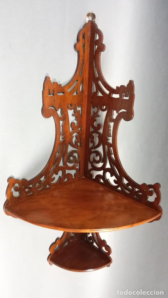 ESTANTERIA ESQUINERA DE MADERA DE CAOBA (Antigüedades - Muebles Antiguos - Repisas Antiguas)