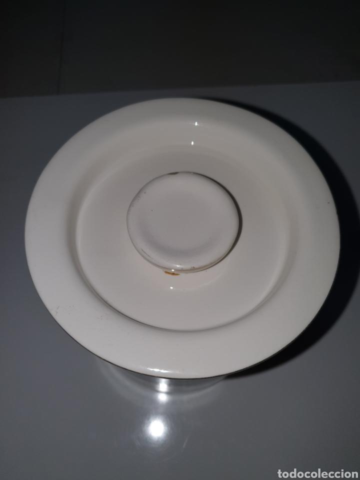 Antigüedades: Tarro con tapa de porcelana, san Claudio, Oviedo, decorado con locomotora, 13 cm, x 12 cm. - Foto 2 - 206823358