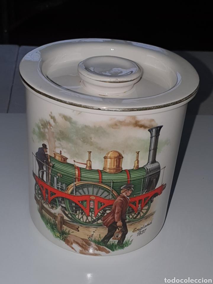 Antigüedades: Tarro con tapa de porcelana, san Claudio, Oviedo, decorado con locomotora, 13 cm, x 12 cm. - Foto 3 - 206823358